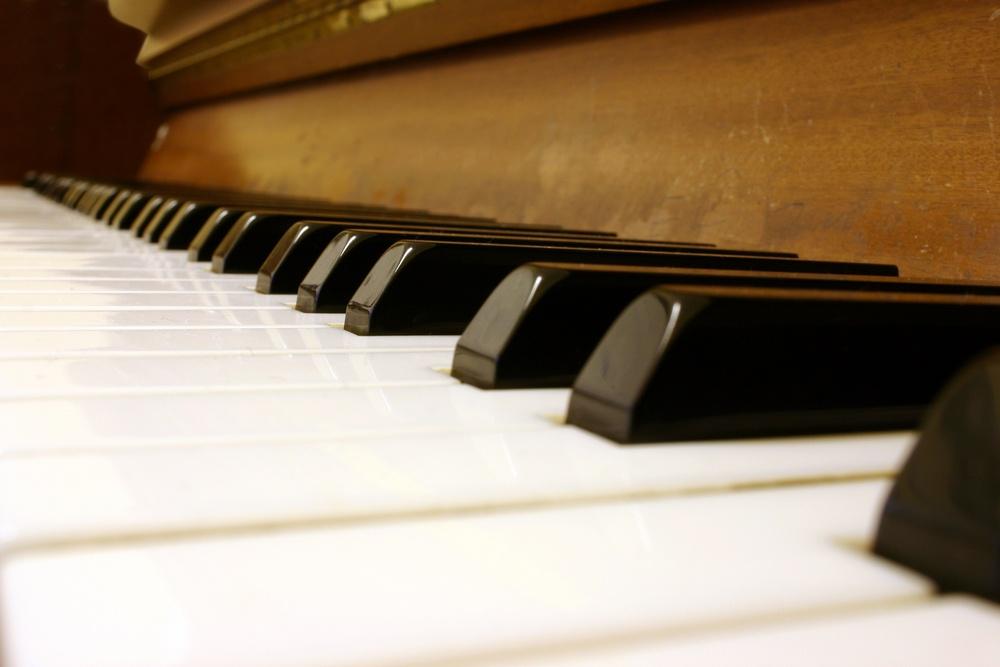 Wooden Piano Keyboard.jpeg
